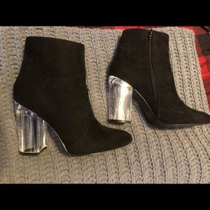 Suede Black ankle boots with clear heel